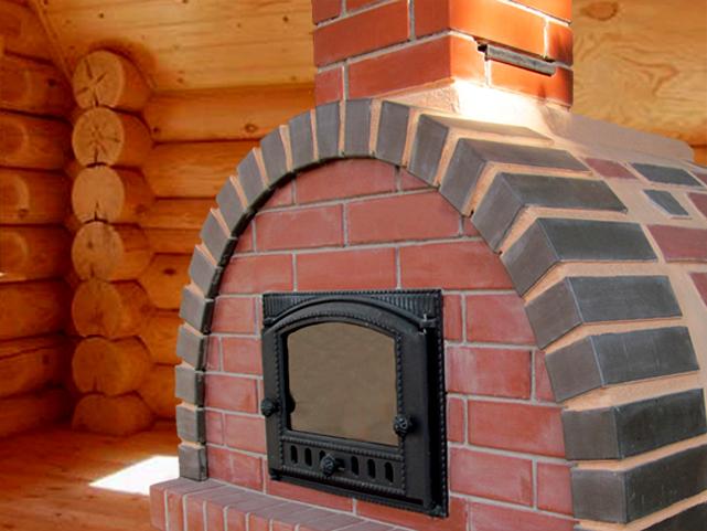 Подовая дровяная печь для кухни. Оборудована чугунной топочной дверцей ДТ-6АС изготовленной на рубцовском Заводе ЛИТКОМ